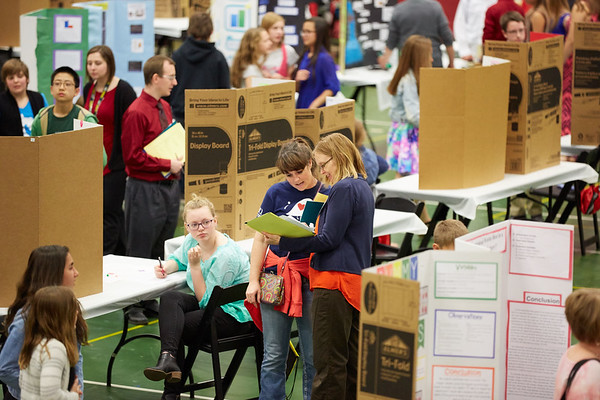 2017_UWL_Middle_School_Science_Math_Expo_0026