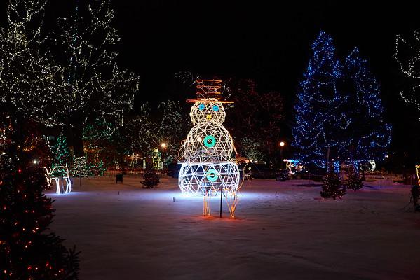 2016_UWL_Holiday_Rotary_Lights_Main_Hall_011
