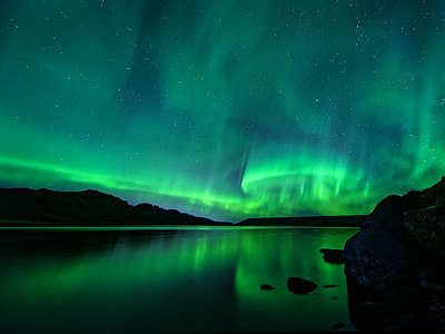 Northern Lights by Gary Emord  Score: 13 Honorable Mention, Round 2 PSA Nature Division