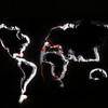 Nathalie grenzen landkaart afgetekend met zaklamp lange sluitertijd