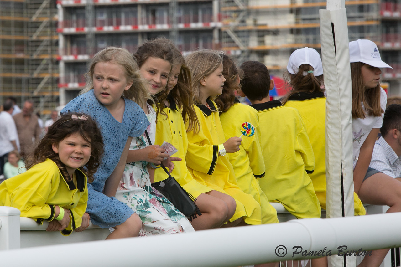 Young race enthusiasts on the rail