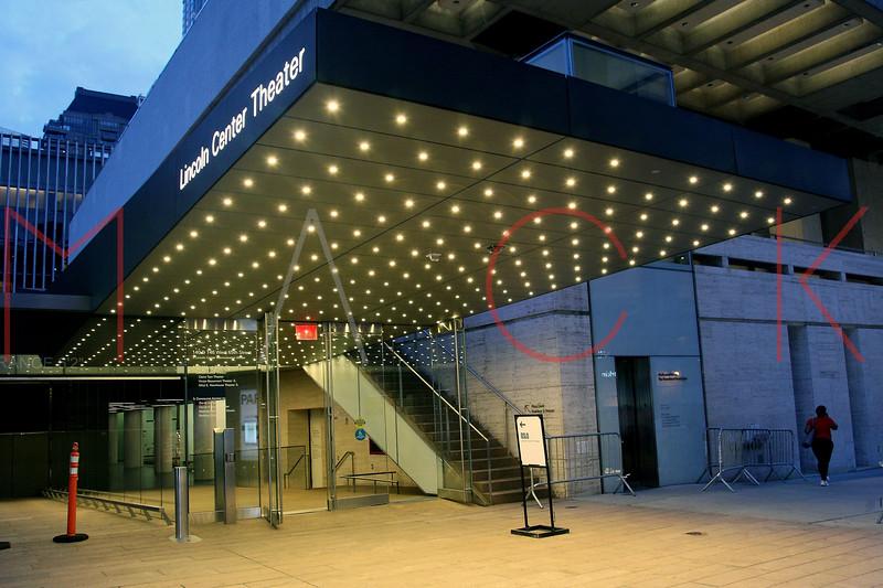 652914619SM002_Oslo_Opening