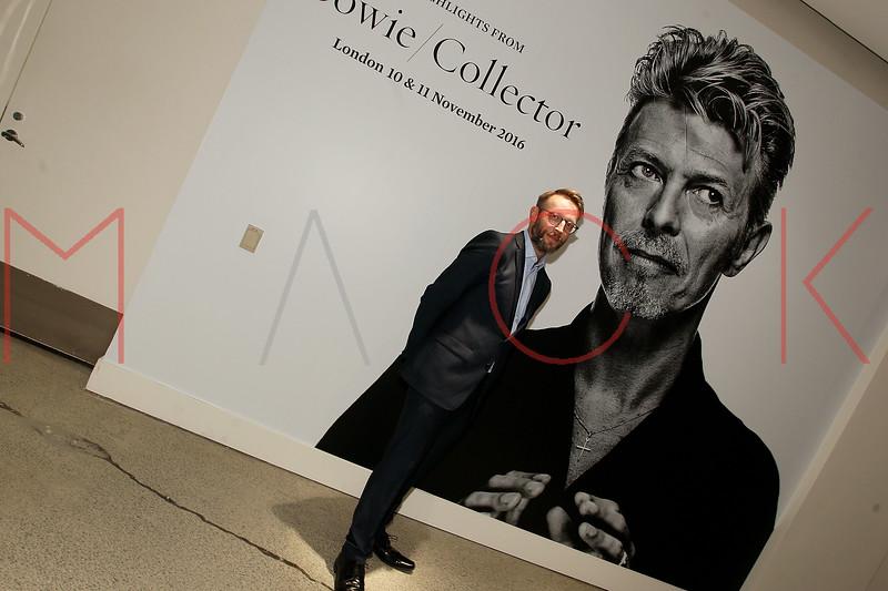 672103051SM004_Bowie_Collec
