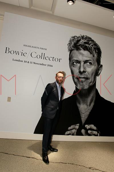 672103051SM001_Bowie_Collec