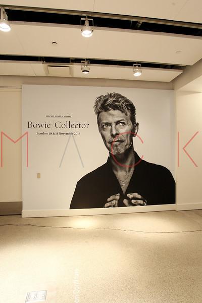 672103051SM015_Bowie_Collec