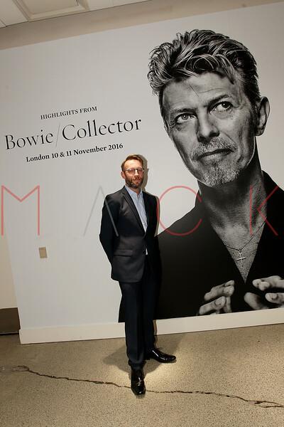 672103051SM005_Bowie_Collec