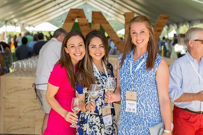 Amanda Harlan & friends at Barrel Auction.  Briana Marie Photography for Napa Valley Vintners