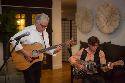 Jeff Gargiulo and his band entertain guests during vintner hosted dinner at Gargiulo Vineyards.   Briana Marie Photography for Napa Valley Vintners