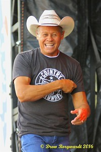 Neal McCoy - Country Thunder 2016 D277