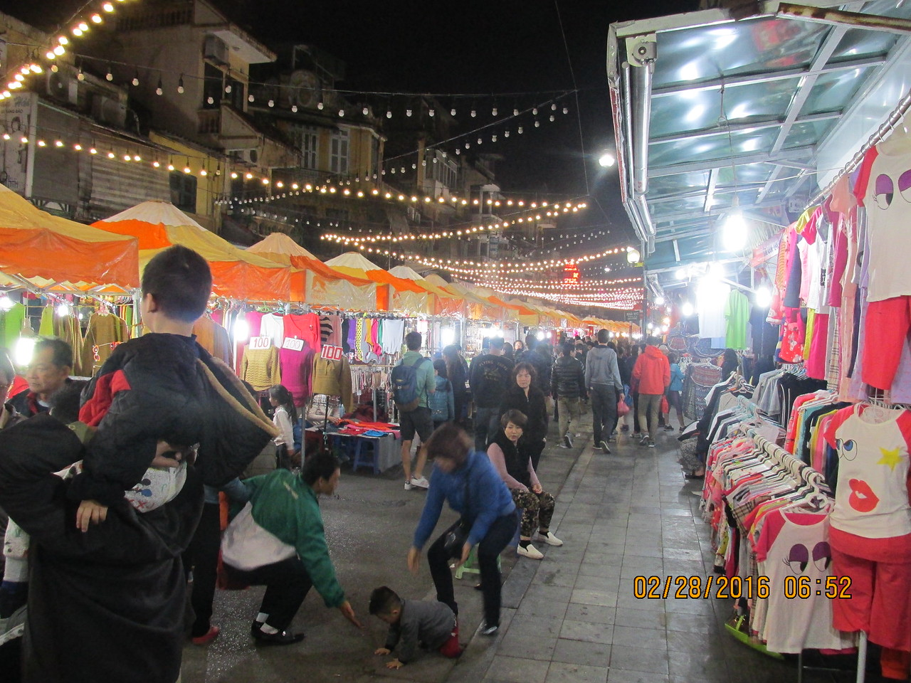 0076 - Night Market on Streets of the Old Quarter - Hanoi Vietnam - Date Correct but Time on Pic is Wrong