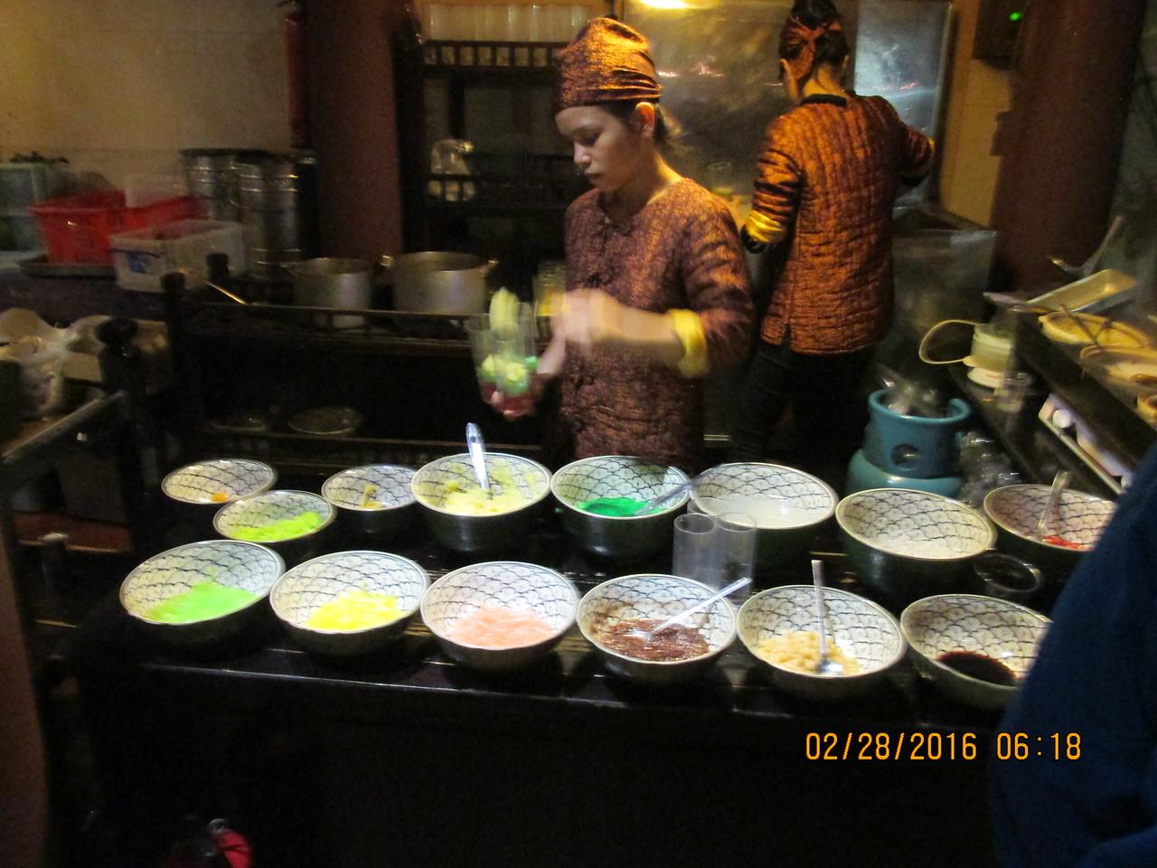 0069 - Quan An Ngon Restaurant on Phan Boi Chau - Hanoi Vietnam - Date Correct but Time on Pic is Wrong