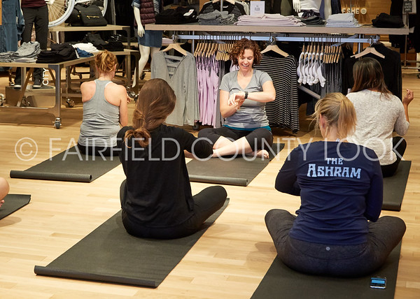 2016-10-23 Samsung at Athleta