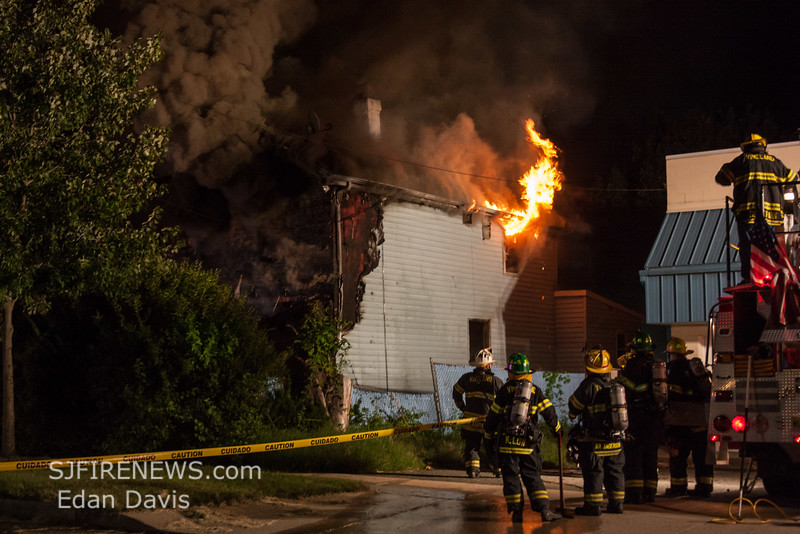 08-26-2016, All hands Dwelling, Vineland City, 512 E Plum St  (C) Edan Davis, www sjfirenews (1)