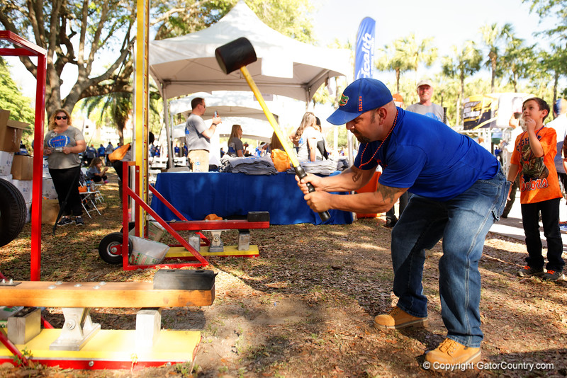 Florida Gators Football Gator Walk 2017 Orange and Blue Debut