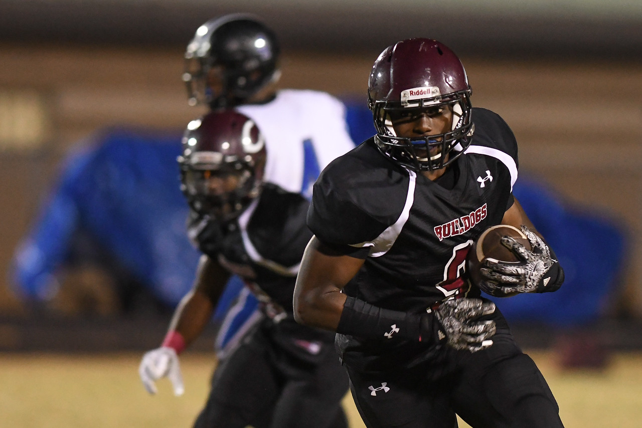 Nash Central runs the ball during tonights game. Nash Central defeats Hunt  28-0 Friday evening October 28, 2016 in Nashville, NC (Photos by Anthony Barham / WRAL contributor.)