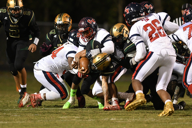 Northern Nash Decarlo Royster jr (5) Southern Nash defeats Northern Nash 28-11 Thursday evening November 10, 2016 in Rocky Mount, NC (Photos by Anthony Barham / WRAL contributor.)