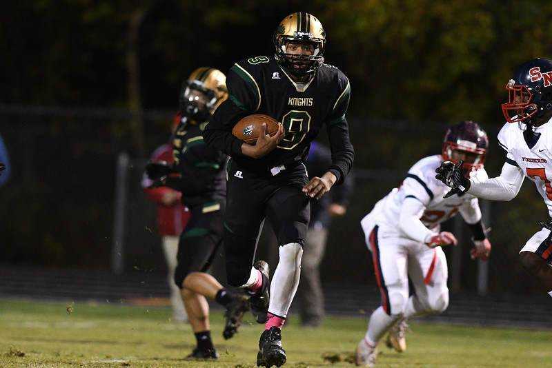 Northern Nash Raymond Bullock III (9)during tonights game.Southern Nash defeats Northern Nash 28-11 Thursday evening November 10, 2016 in Rocky Mount, NC (Photos by Anthony Barham / WRAL contributor.)