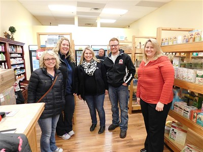 Health Nutz Natural Foods Ribbon Cutting