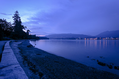 21:31 - Lions Gate Bridge - Blue Hour