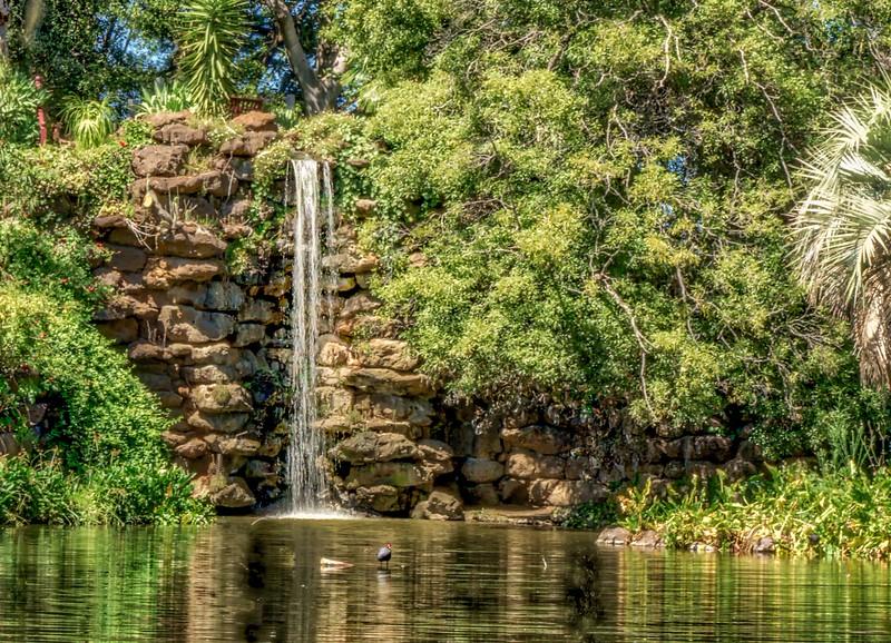 Estate Lake & Waterfall
