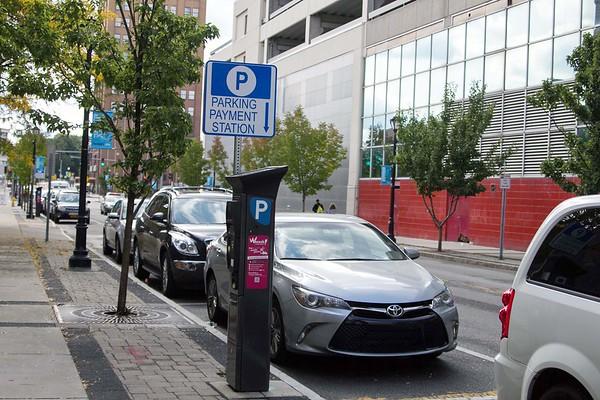 161005 Parking station 1