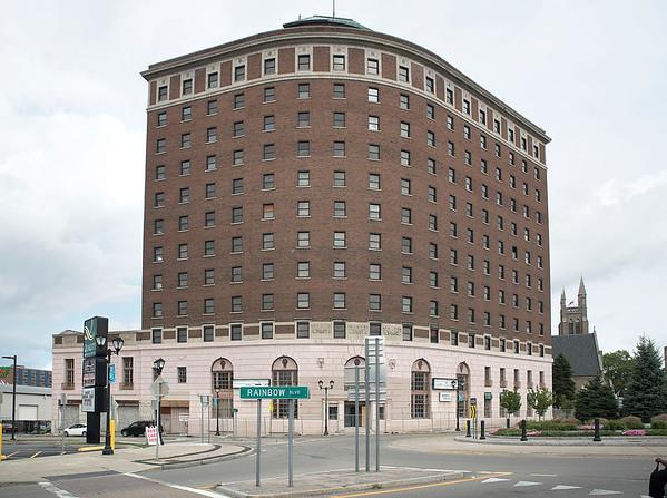 160831 Hotel Niagara 2