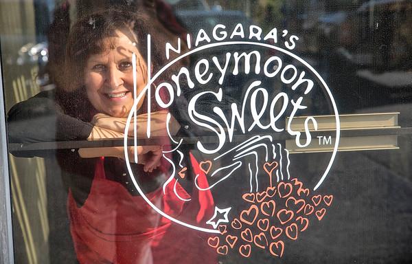 160913 Honeymoon Sweets 1