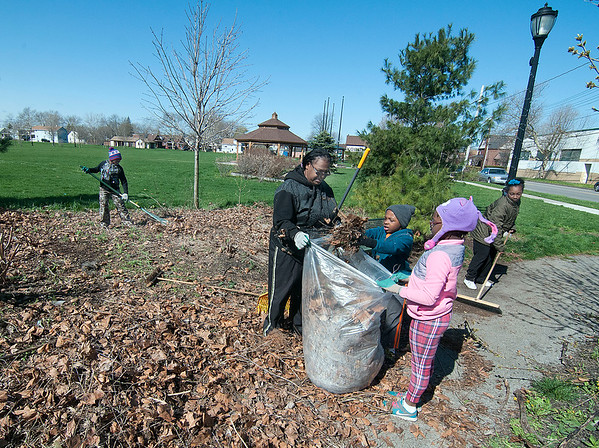 160423 Gill Creek Cleanup