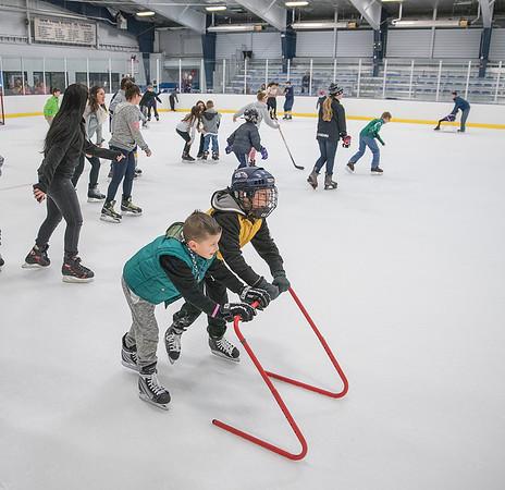 151223 NFHS Hockey Skate 4