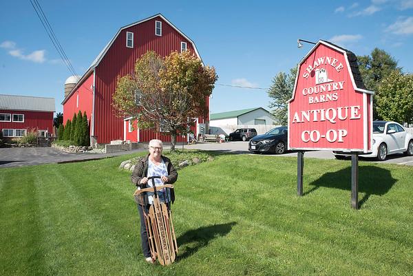 161004 BO Antique Barn
