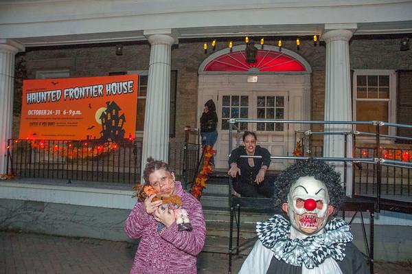 161025 Haunted House 9