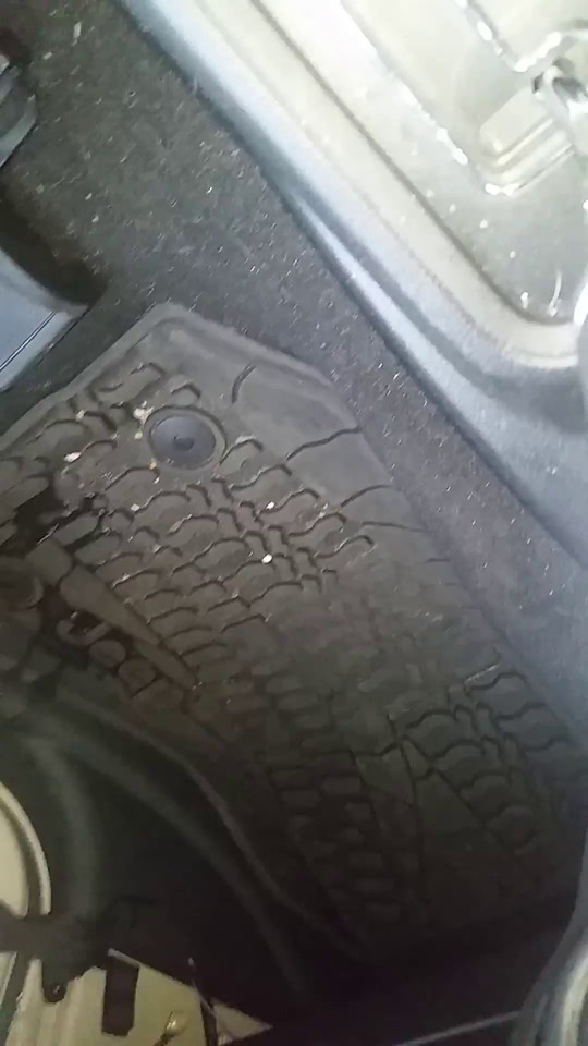 Video of water leaking into jeep
