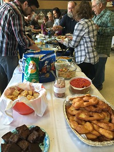 People in McGrath can COOK.  The fry bread in the foreground disappeared in minutes.