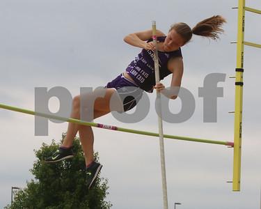 LHS Track at Regionals