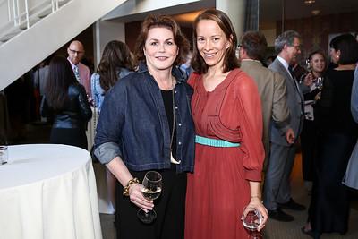 Ruth Davis, Sara Shutter