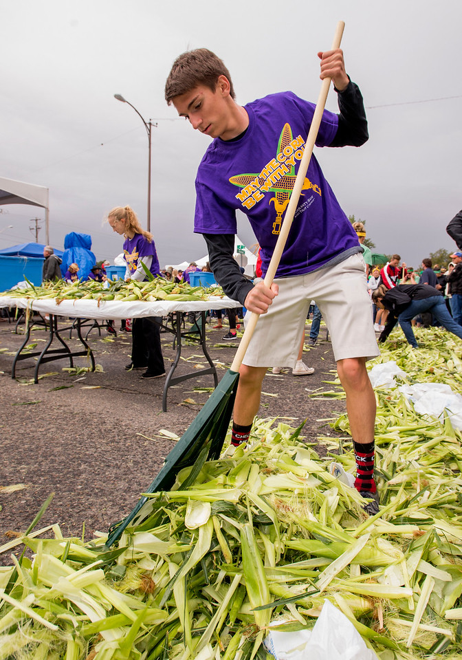 0820 NWS CornShucking_6-mb