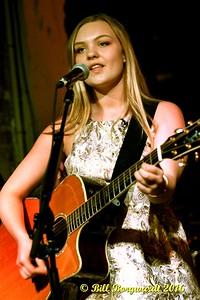 Olivia Rose at Vinyl Tavern 004