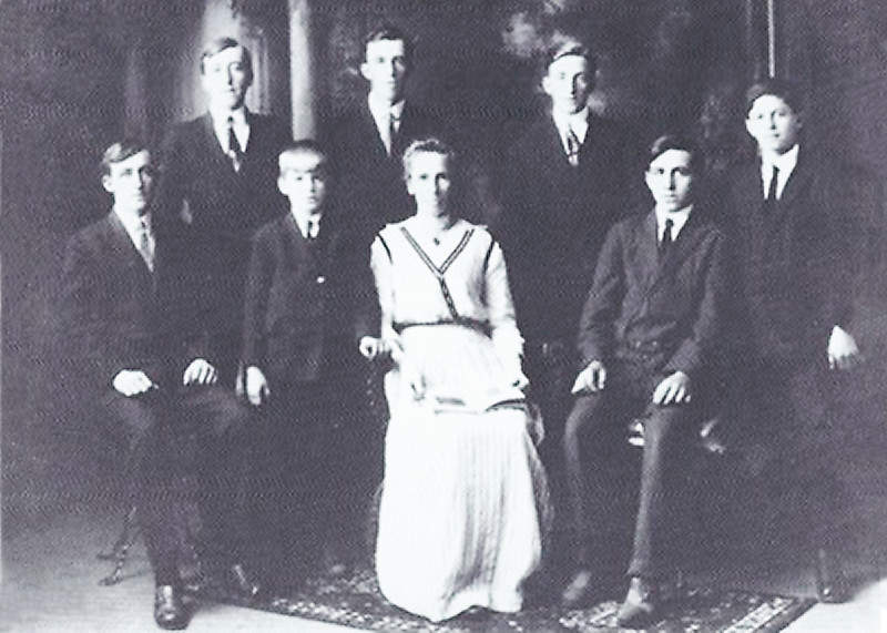 Catherine Molidor and her Sons  (circa 1913 or 1914?)