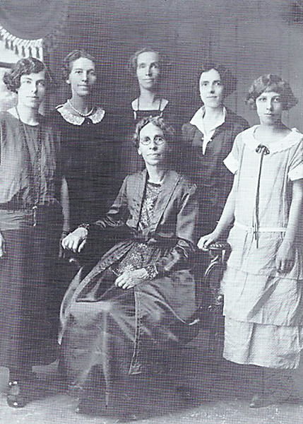Catherine Molidor and her daughters