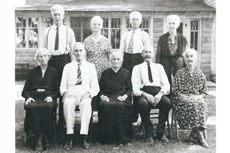 Kretschmer Family  (1930 in Spring Grove, IL)