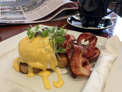 Eggs Benedict Pall Mall Café