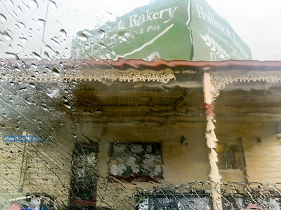 Holbrook Bakery in the rain