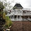 JNEWS_1003_Haunted_Houses_03.jpg