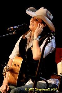 Terri Clark at Dow 087a