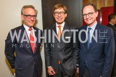 David Ignatius, Ambassador Peter Wittig , Mark Landler. Photo by Alfredo Flores. Berliner Salon Book Party. German Ambassador's Residence. May 10, 2016