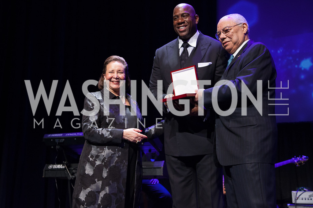 """Alma Powell and Colin Powell honoring Earvin """"Magic"""" Johnson with Promise Night Award"""