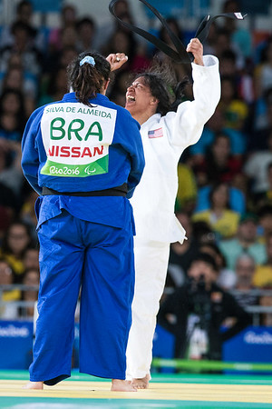 Cristella celebrates passionately after winning over Brazil's own Silva de Almeida. 10 SEPT. 2016
