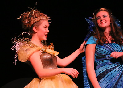 IMG_7910 Glinda (anna helper) and Addaperle (another witch,,haley symmonds)