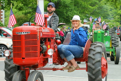IMG_5494 chandler hewitt and karen husted in the line of tractors