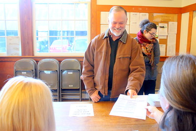 IMG_4599 kevin geiger gets his ballot